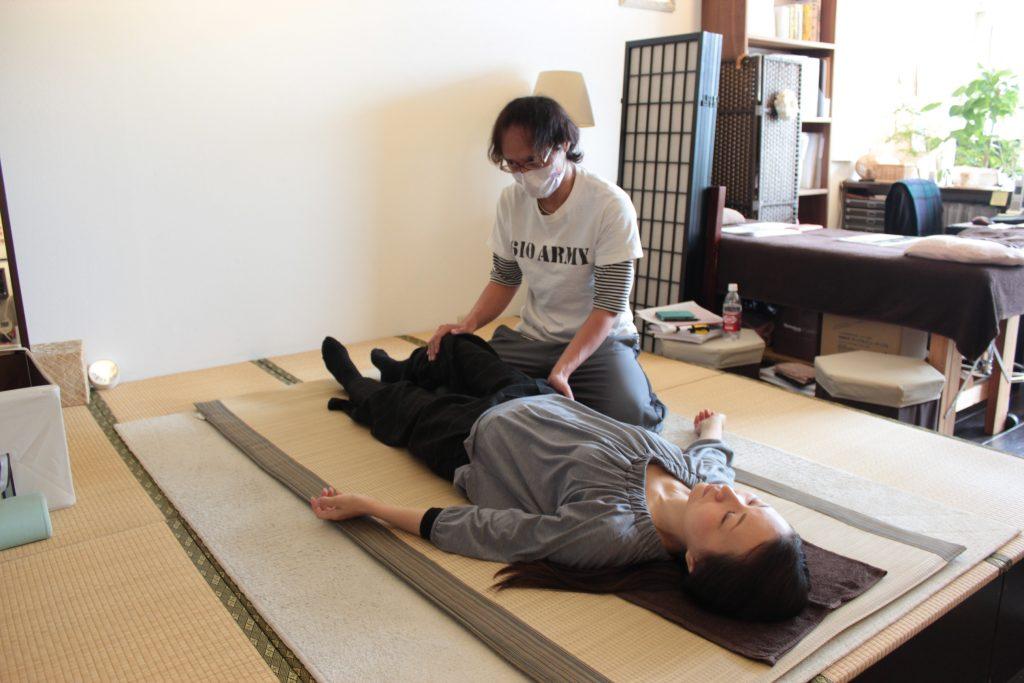 京都府、山田 真嗣先生の施術練習の様子です。