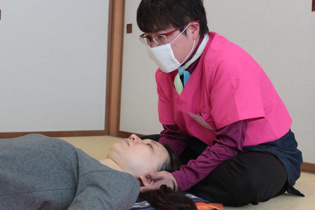 由美先生、頸椎弛緩法