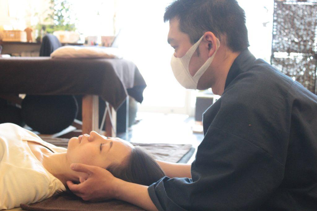 佐野先生、頸部弛緩法