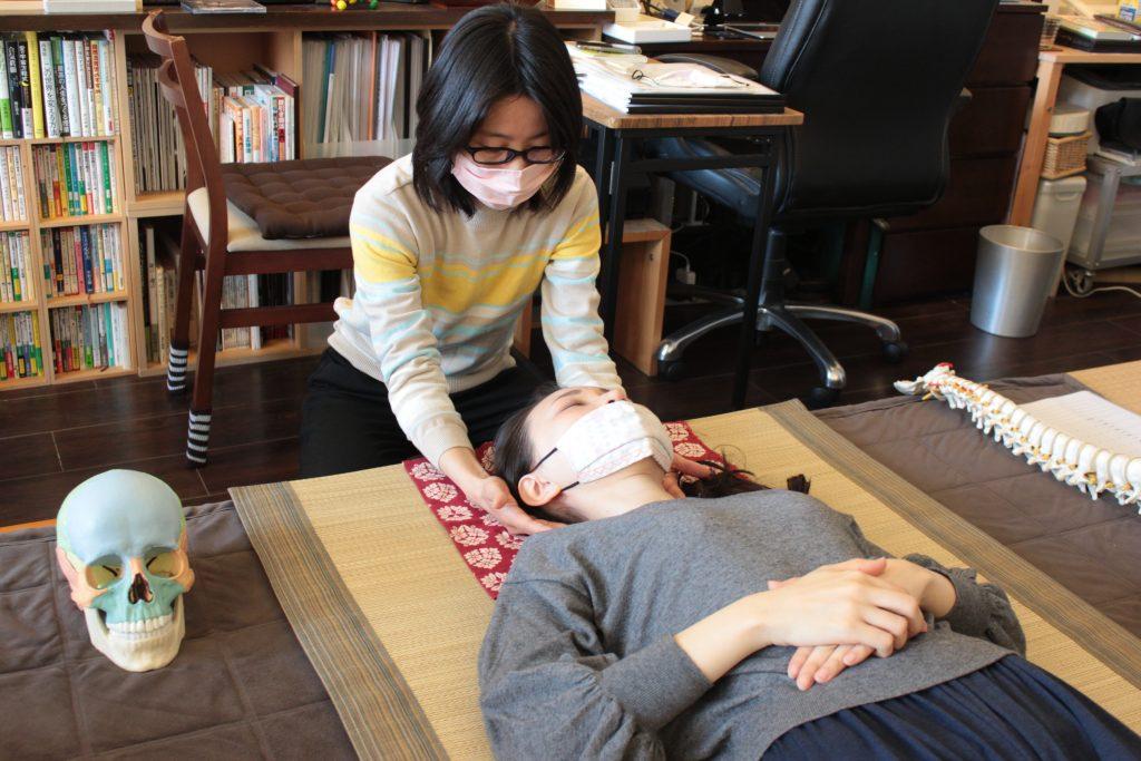 頸部弛緩法